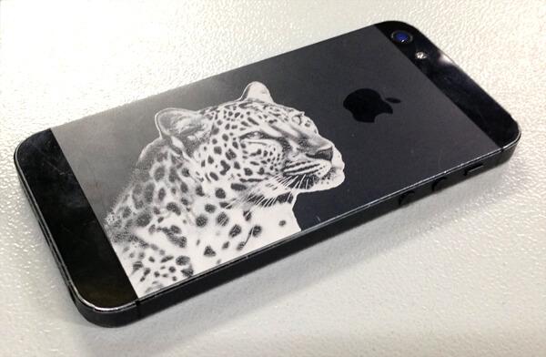 marquage-laser-d-une-coque-iphone-b83