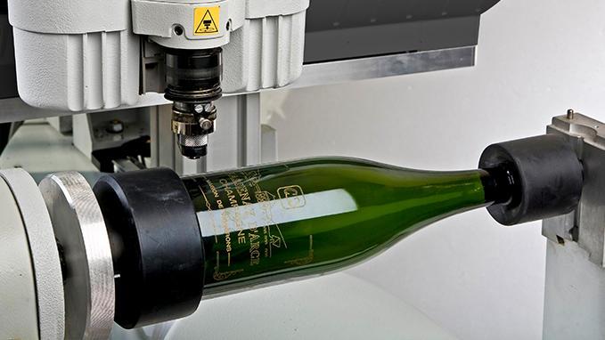 personnalisation-de-bouteilles-avec-machine-is400-volume_product_slide